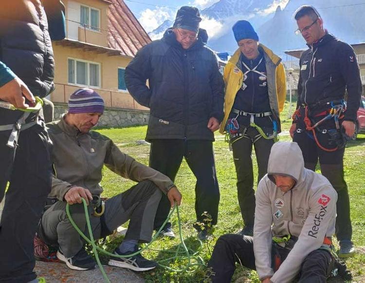 В Безенги начала работу Центральная Школа Инструкторов